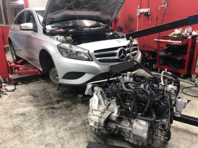 Mercedes engine overhaul